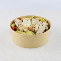 Penne salad with pesto-chicken